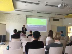 Dr. Appl trägt vor zu Fragen des Urheberrechts im Bereich universitärer Lehre